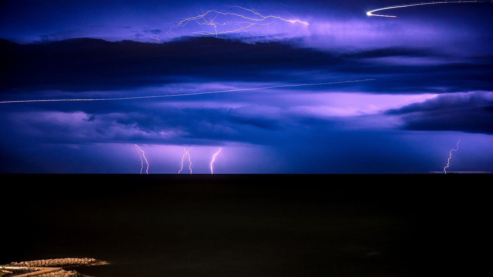 Lightning Over A Black Sea 1920x1080 Black Sea Via Www Allwallpaper In Background Screensavers Storm Wallpaper Light Pollution