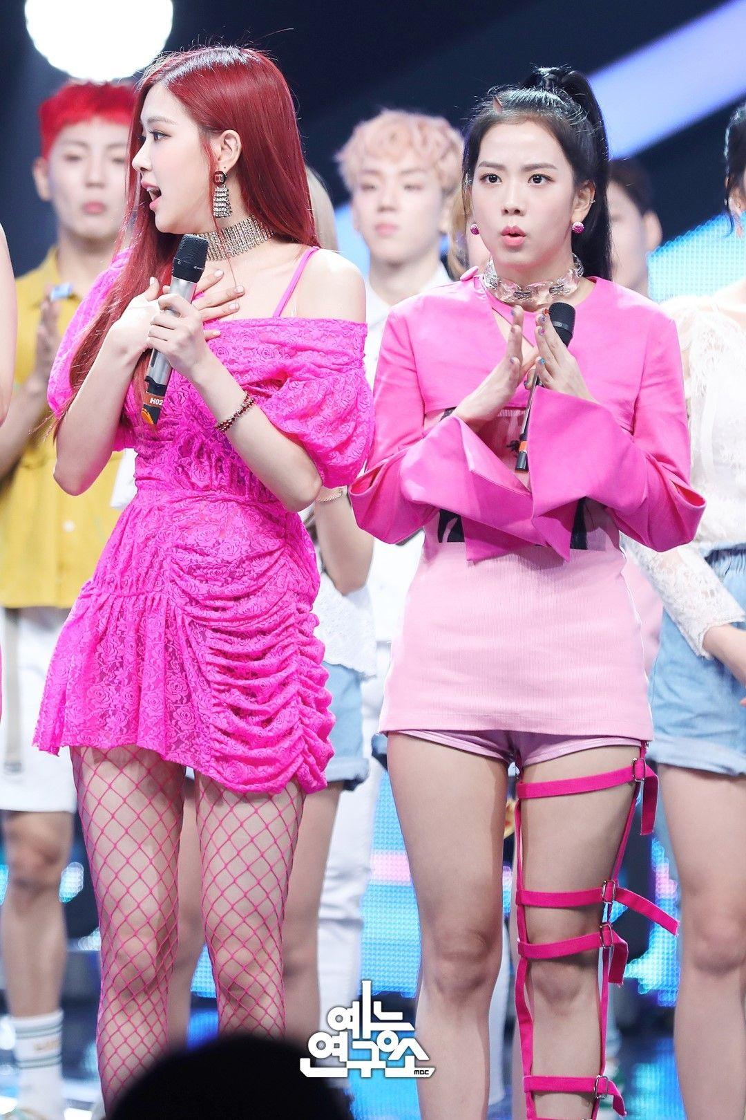 Music Show 180623 Rose And Jisoo Mbc S Show Music Core Garotas Kpop Feminino Feminino