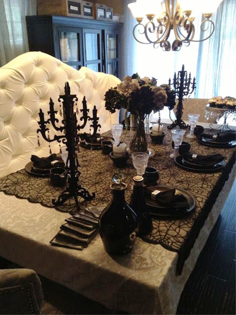 15 Spooky Halloween Decorating Ideas For Your Stylish Room Happy Halloween Day Halloween Table Decorations Elegant Halloween Halloween Table