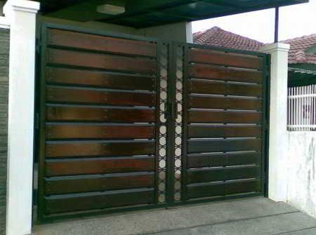 60+ model desain pintu pagar rumah minimalis terbaru (kayu