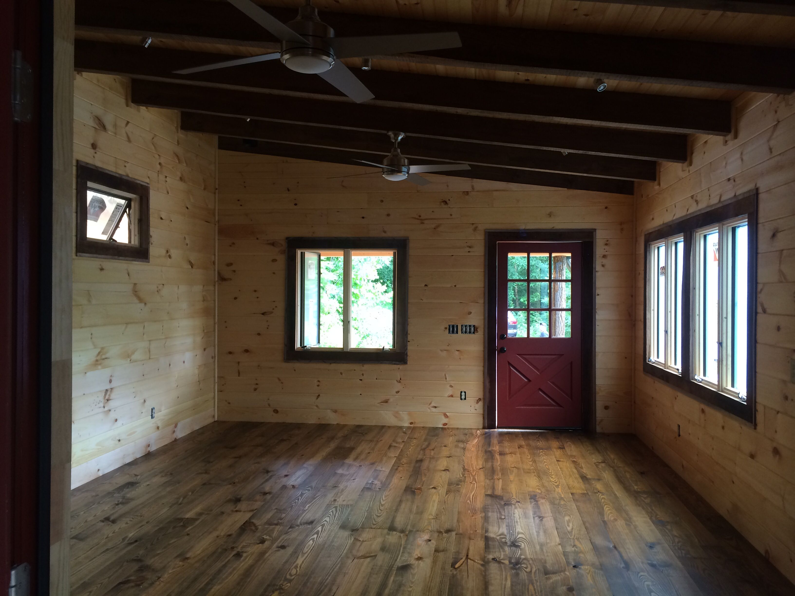 Tiny Cabin Construction Heart Of Pine Floor Old Masters Stain In Black Walnut And Tung Oil
