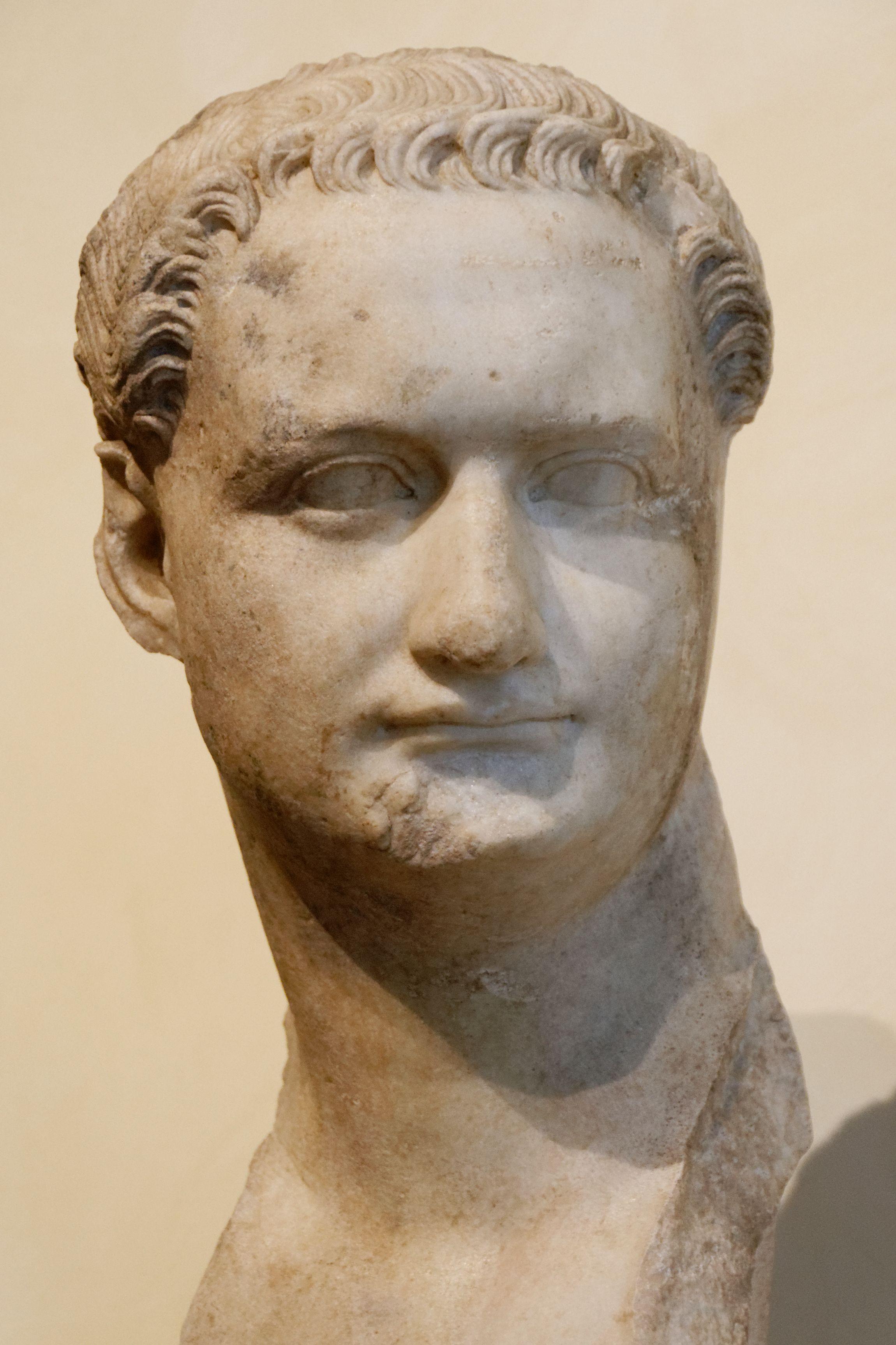 Titus Flavius Caesar Domitianus Augustus Romische Skulptur Romischer Kaiser Archaologie