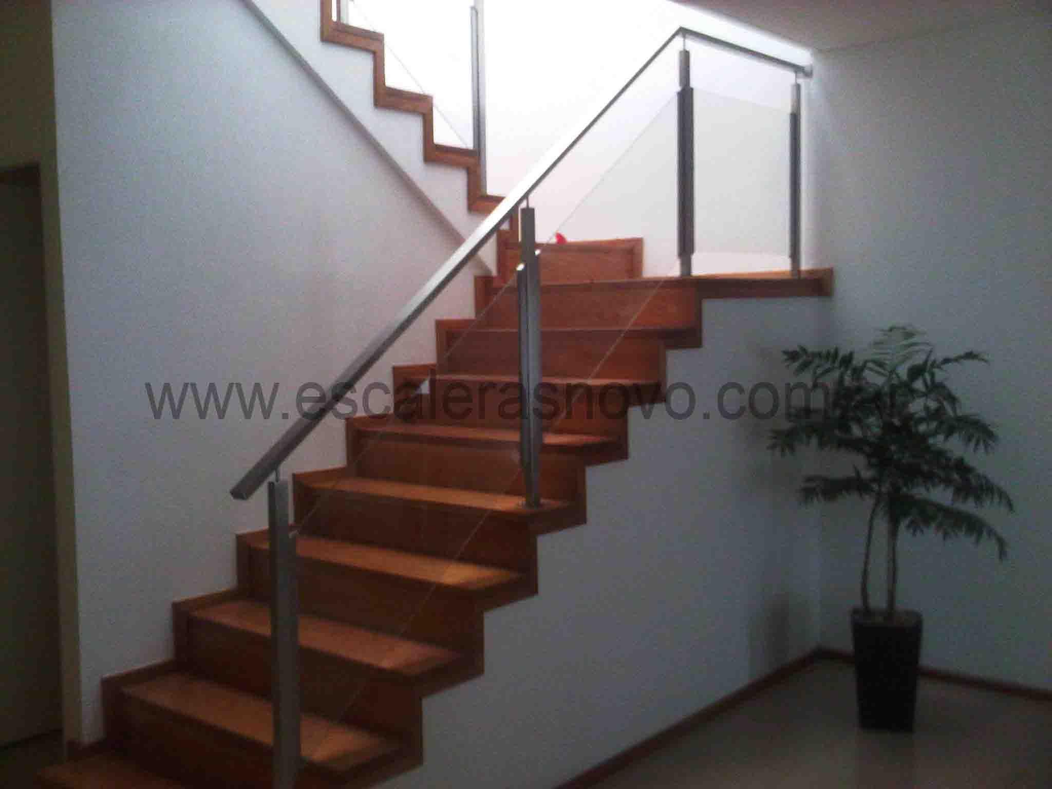 Barandas acero inox y vidrio mod 7 decoracion sala barandas escaleras y barandas de acero - Escaleras de cristal y madera ...