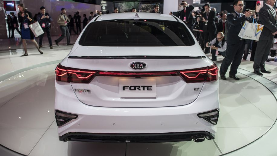 2019 Kia Forte Compact Sedan Introduced At The 2018 Detroit Auto Show Kia Kia Forte Detroit Auto Show