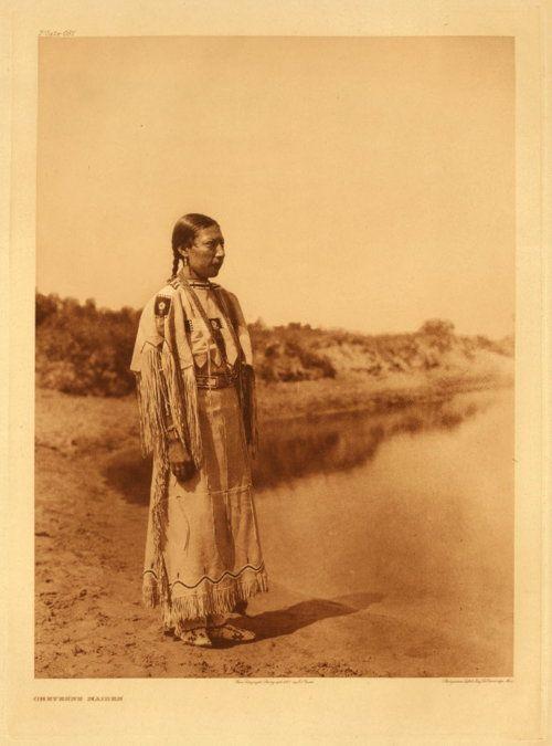 Edward S. Curtis, Cheyenne maiden, 1930.
