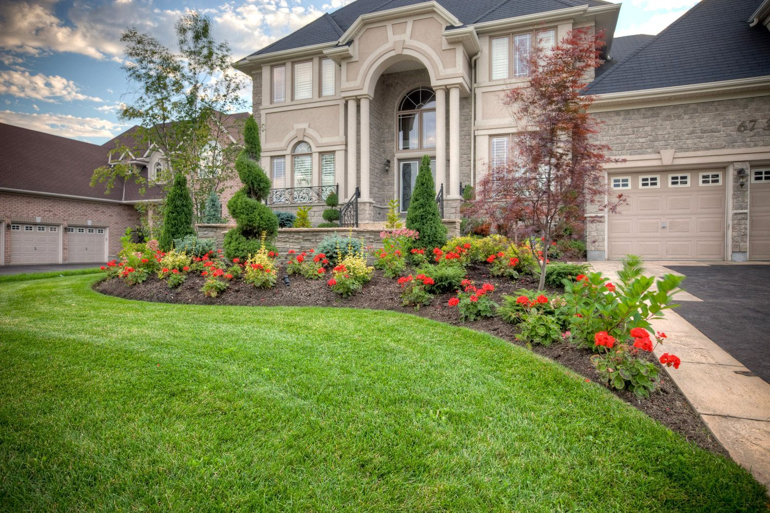 Awesome Landscape Design Front Of Colonial House Part - 11: Colonial-front-house-garden-design-the-garden-inspirations-