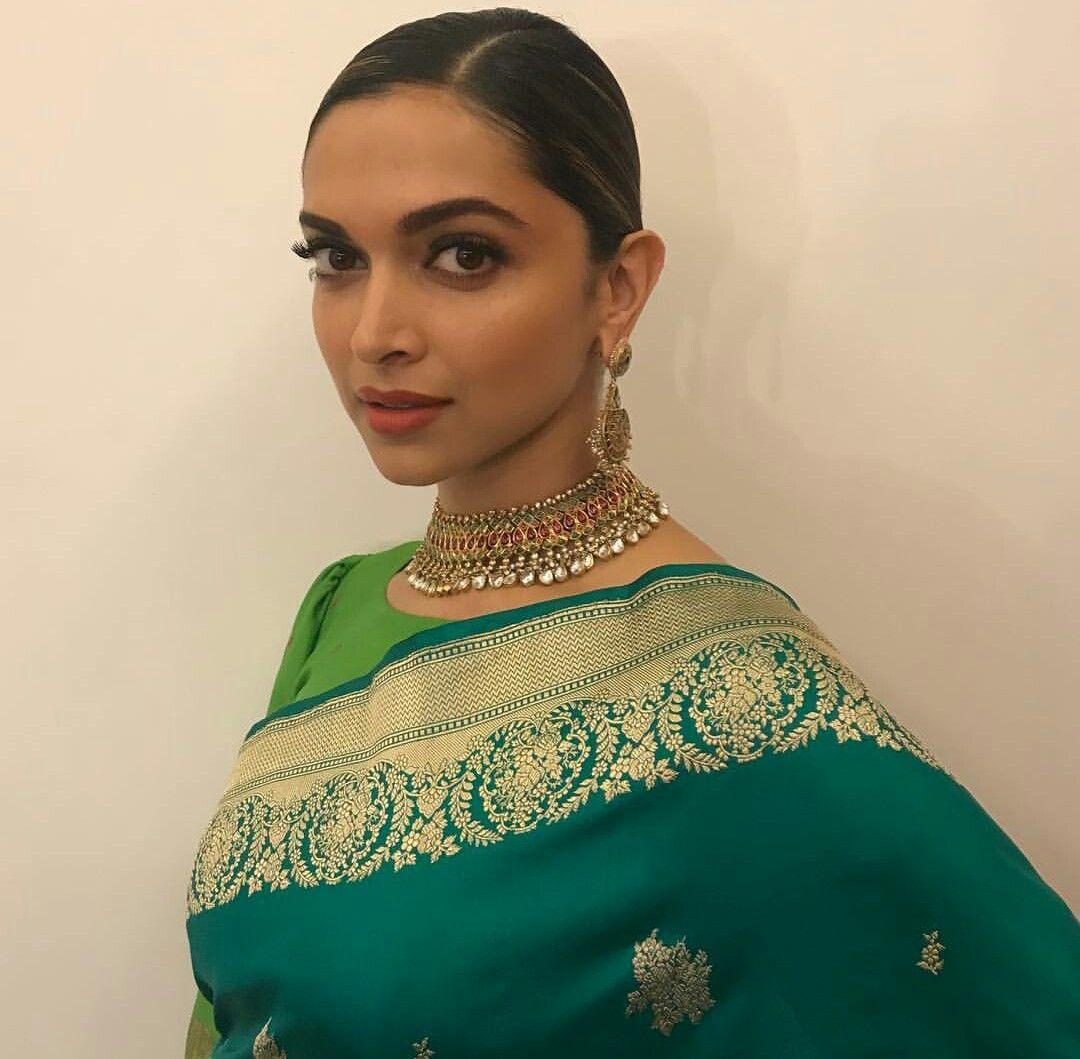 Pin by Ana on love deepika♥ | Fashion, Green sari, Deepika ...