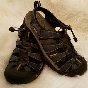 Keen allterrain hiking sandals Mens 85