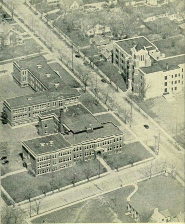 Tosa East Before The Theatre And Gym Addition Lincoln And Original Wauwatosa High School 1935 Whs Beca Wauwatosa Wisconsin Milwaukee Wisconsin Milwaukee Wi