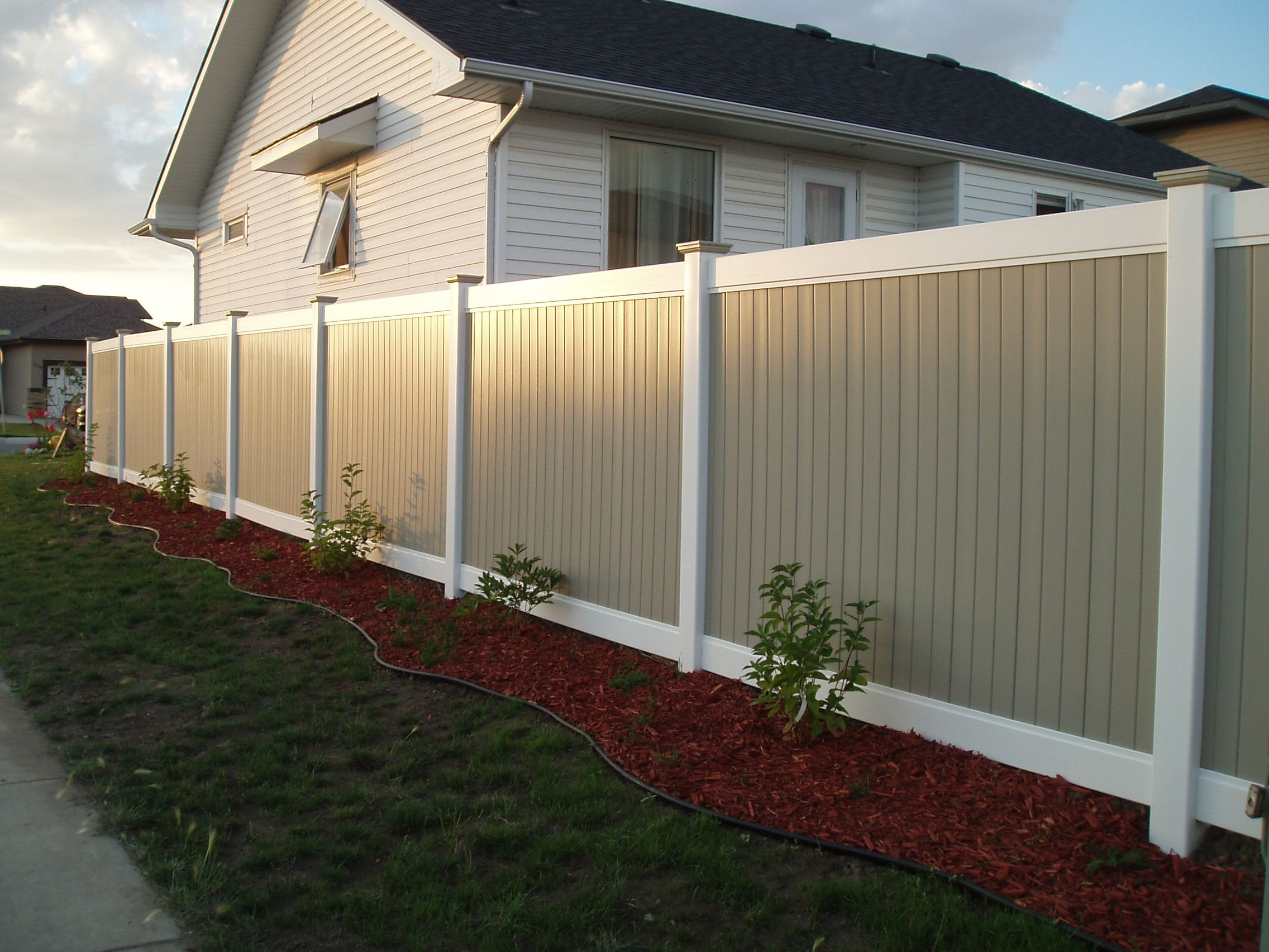 The use of wood fence, Introduction WPC fence,WPC railing