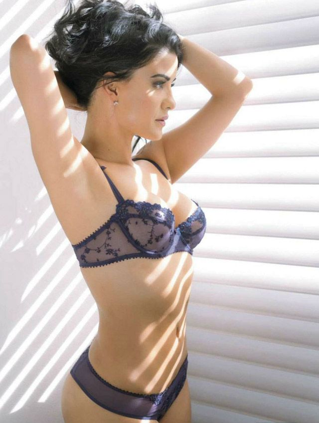 Elizabeth Van Meter Nude Photos 77