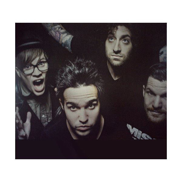 Una imagen de Fall Out Boy ❤ liked on Polyvore featuring fall out boy and fob