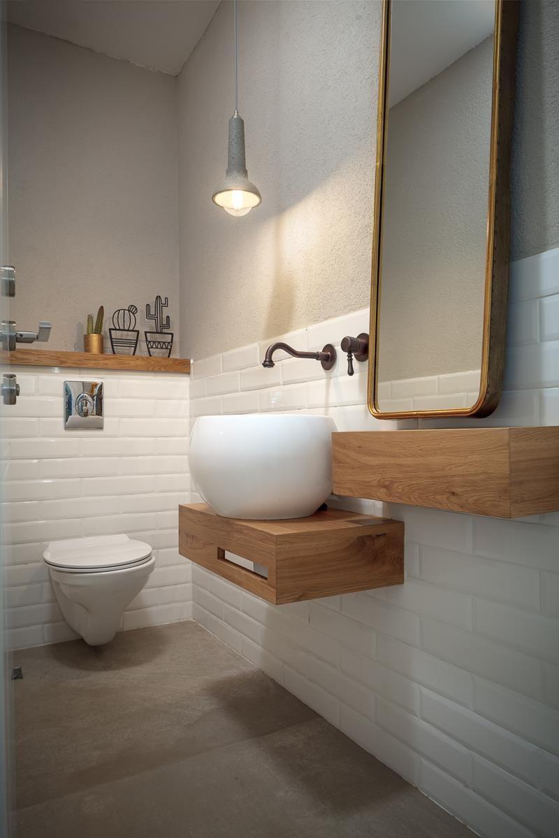 מרפסות בכל מקום שיפוץ בית על צלע הר בניין ודיור Bathroom Vanity Bathroom New Homes