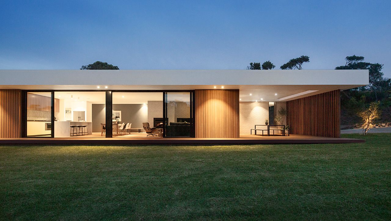A Wood And Glass Holiday House In Australia Design Milk Facade House Glass Pavilion Flat Roof House