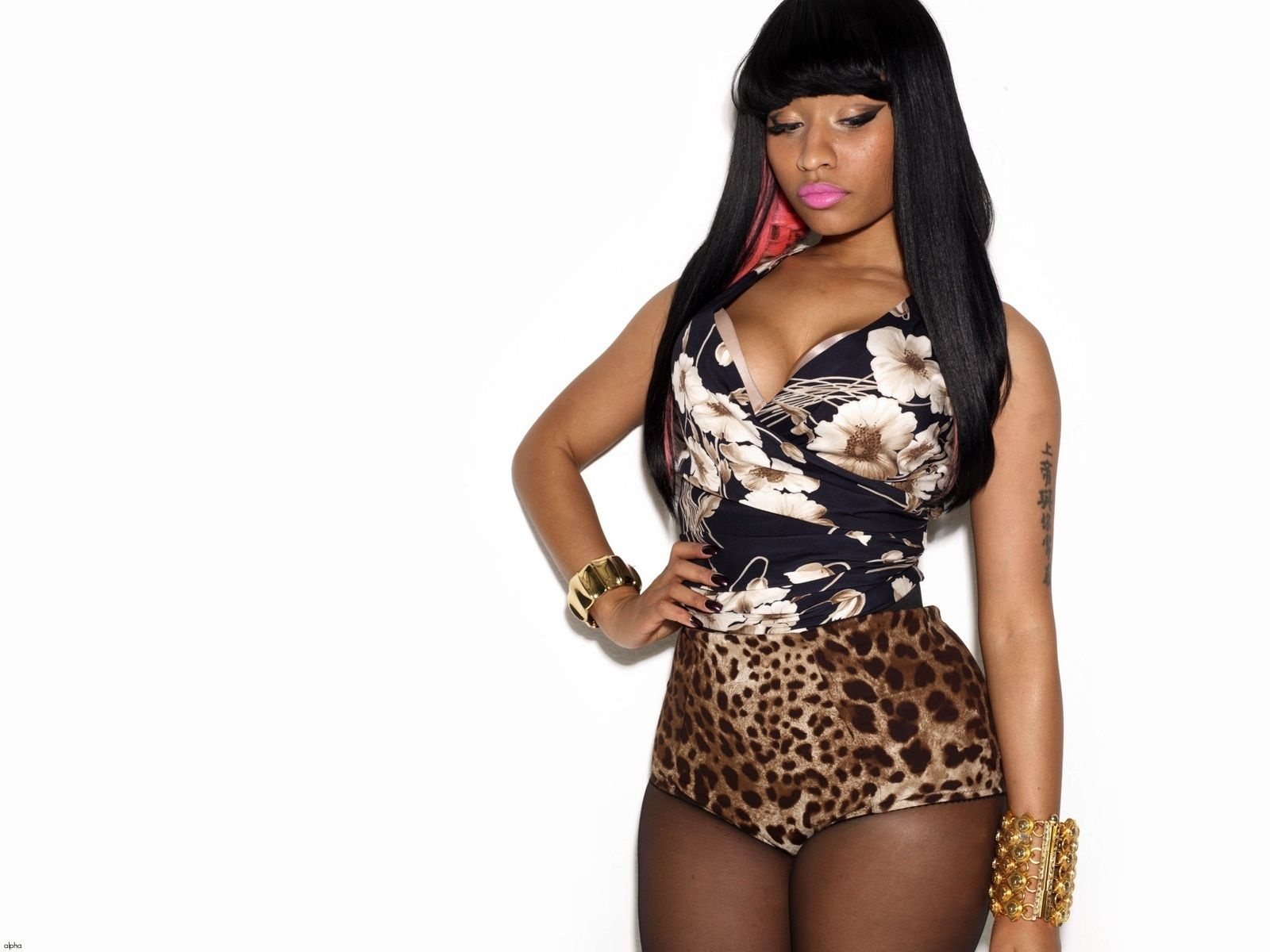 N M In 2019 Nicki Minaj Starships Nicki Minaj Wallpaper