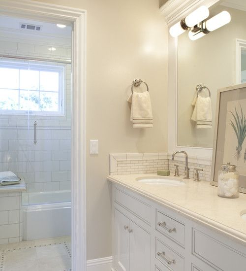 Jack And Jill Bath Design Ideas Pictures Remodel And Decor Traditional Bathroom Master Bathroom Renovation Bathroom Paint Colors