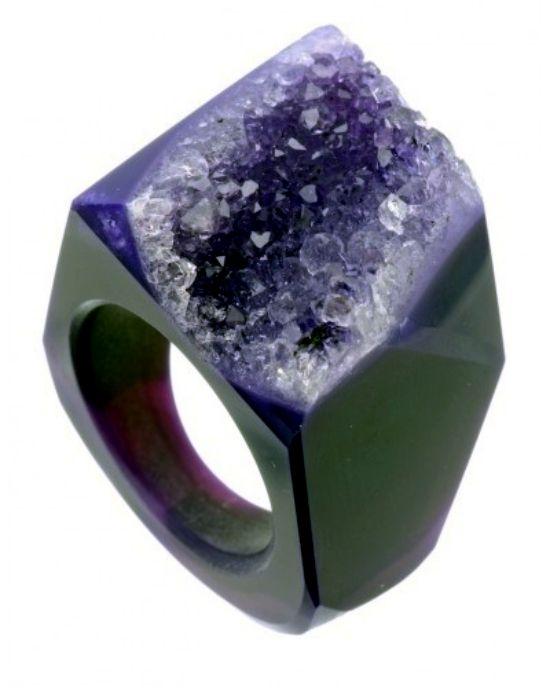 Quartz Crystals In The Trendy Colors