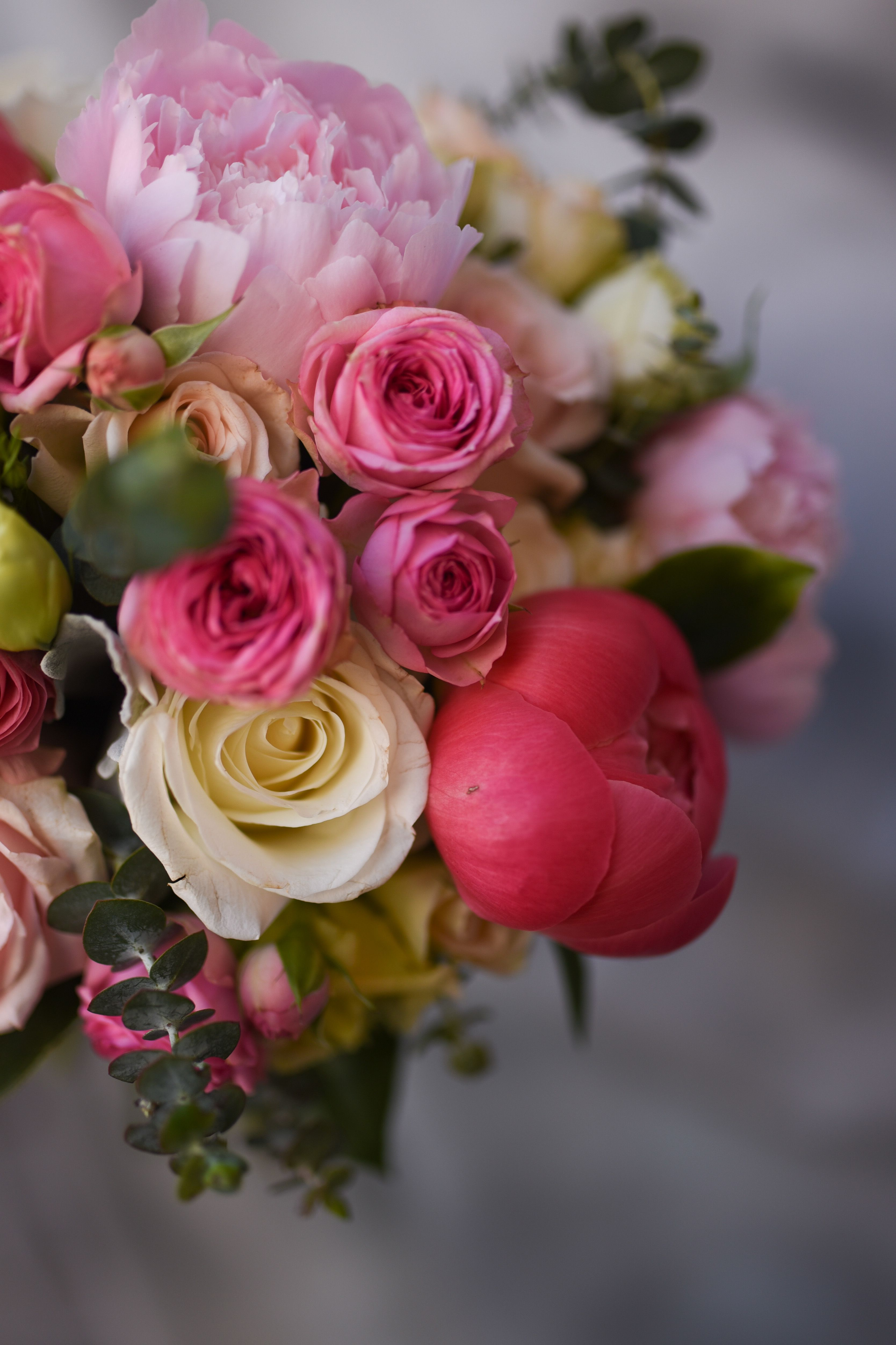 Spring explosion! Blush pink, coral and peachy bouquet for