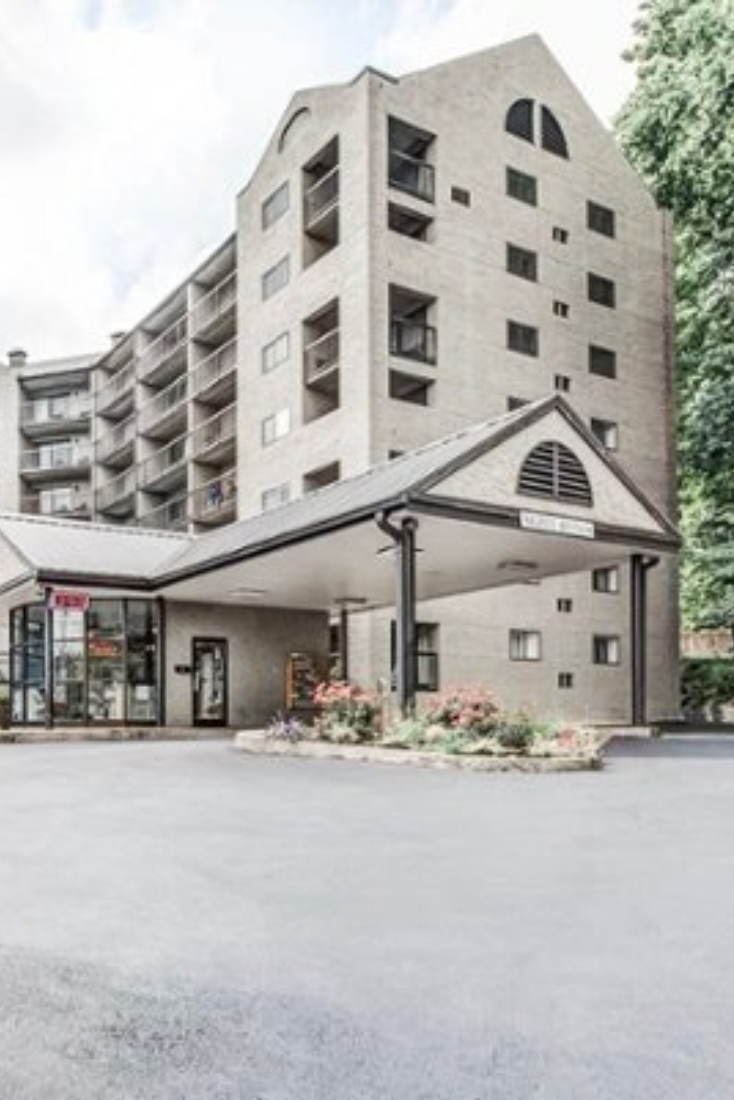 Located In Downtown Gatlinburg Olde Gatlinburg Place Offers Well Appointed One And Two Bedroom Cond Gatlinburg Condos Smoky Mountains Vacation Condos For Rent