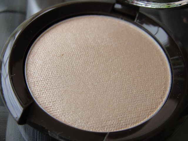 Becca Shimmering Skin Perfector (pressed) in Moonstone. BECCA Radiant Glow Collection (only at Ulta)   Beauty4Free2U