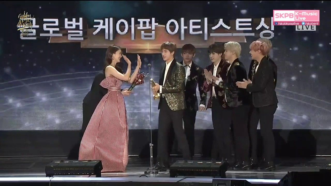 BTS Won The 'Global K-Pop Artist' Award at The 31st Golden Disc Awards (170114) ❤ #BTS #방탄소년단 .