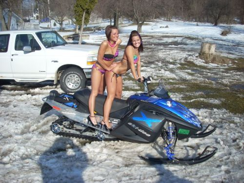 Girls snowmobile nude