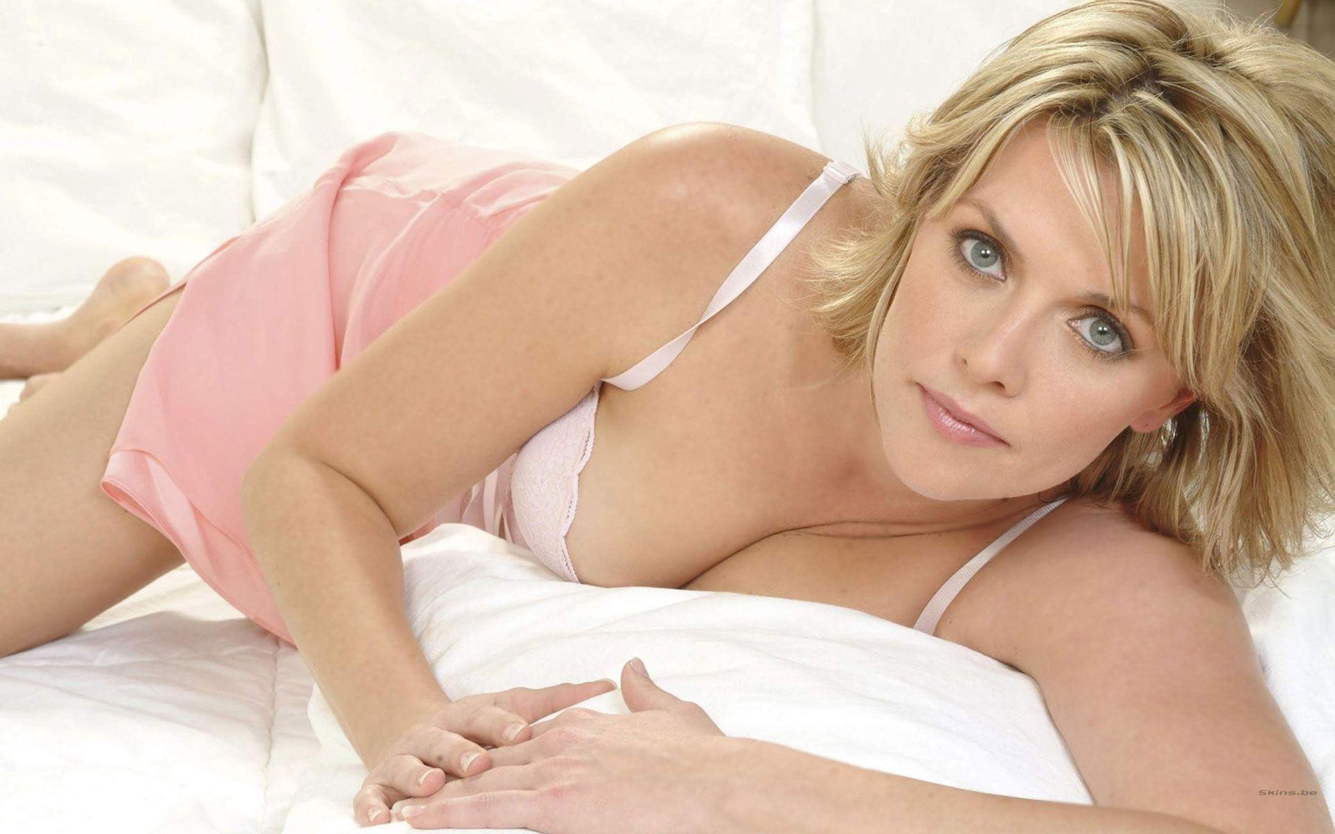 Naked Amanda Tapping 67