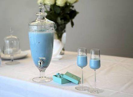 Resepti: Hääbooli Tiffanyn sininen