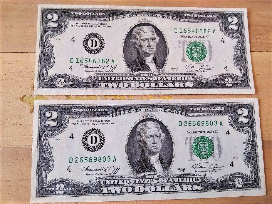 2 Vintage 1976 Uncirculated Bicentennial 2 00 Dollar Bills Etsy Dollar Money 2 Dollar Bill Two Dollars