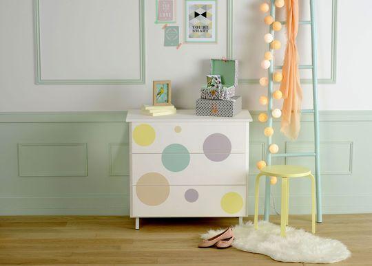 Relooker un meuble avec de la peinture ou du vernis Pastels and