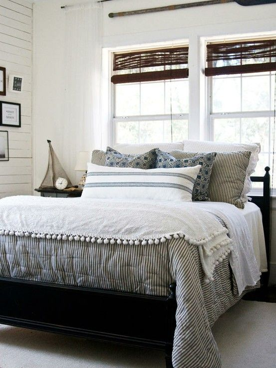 CHIC COASTAL LIVING This is similar to the bedding we have at