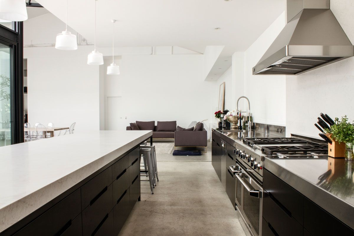 Music legend Mark Lizotte\'s warehouse conversion with a Caesarstone ...
