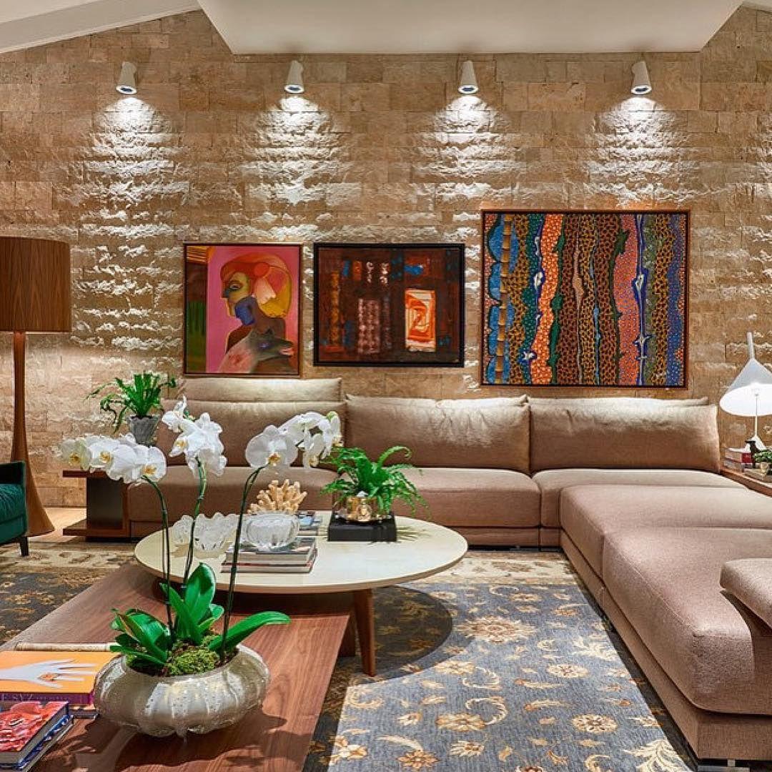 """Inspiração e decoração on Instagram: """"Living contemporâneo, destaque para a  parede de tijolinho com iluminação direcionada #in…   Decor, Home decor,  Interior design"""