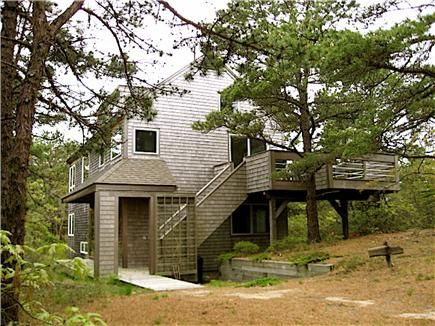 Wellfleet Vacation Rental home in Cape Cod MA 02663, approx. half mile to Old Wharf Point | ID 17470