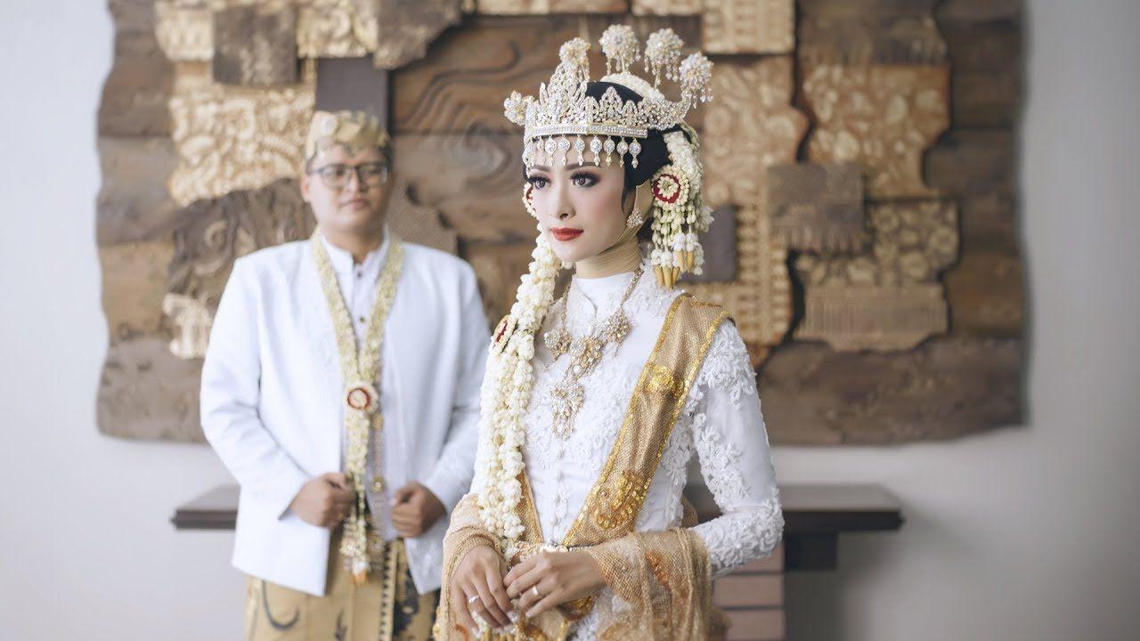 Wedding Cinematic Anjani Angga Permata Jingga Swimming Pool Santik In 2020 Wedding Videos Wedding Videography Wedding Video