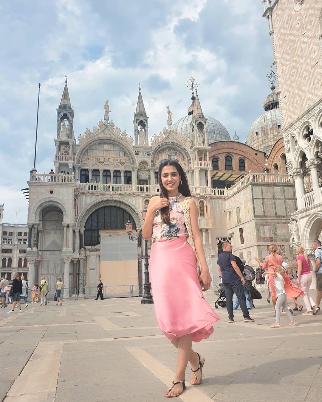 Awesome Photos Of Actress Masha Pasha From Venice Actresses Actress Photos Pakistani Actress