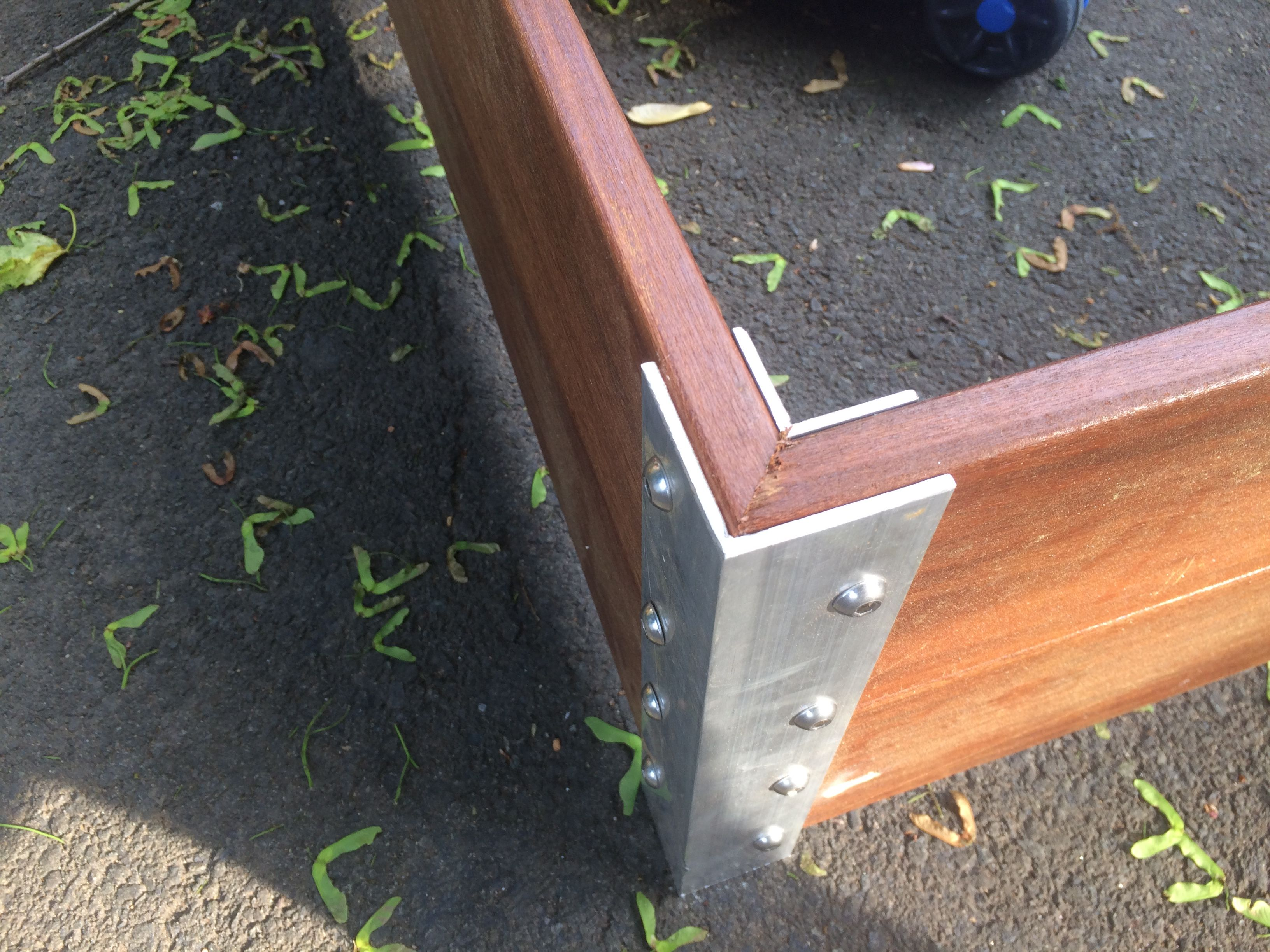 IPE Raised garden bed corner bracket made with aluminum