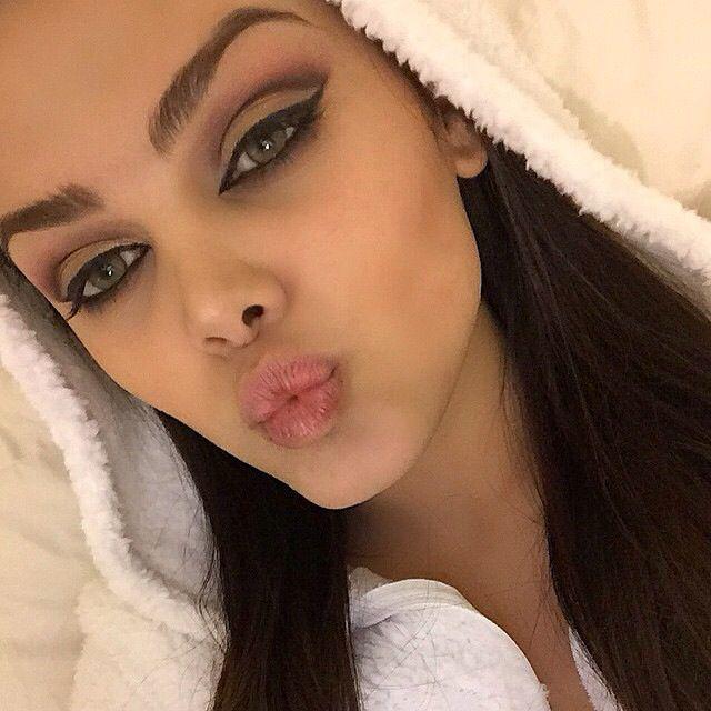 Perfect Arabic eyeliner
