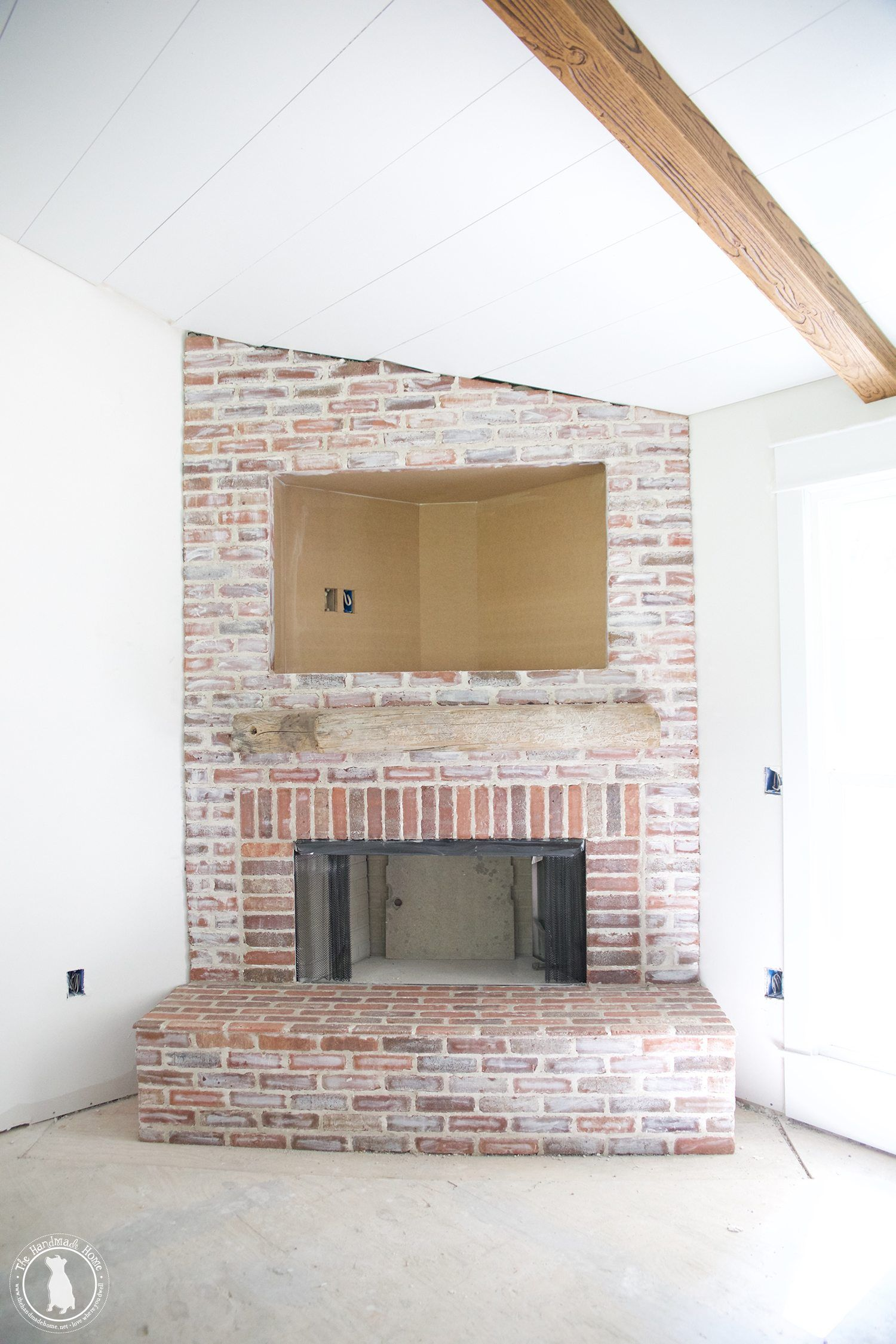 How To Mortar Rub Brick On A Fireplace The Handmade Home Fireplace Mortar Fireplace Brick Fireplace