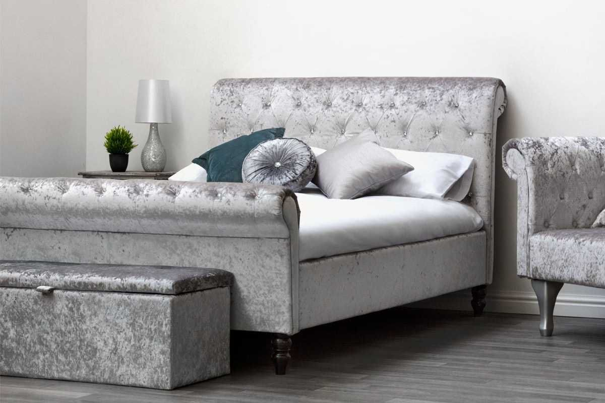 st james silver crushed velvet chesterfield sleigh bed. Black Bedroom Furniture Sets. Home Design Ideas