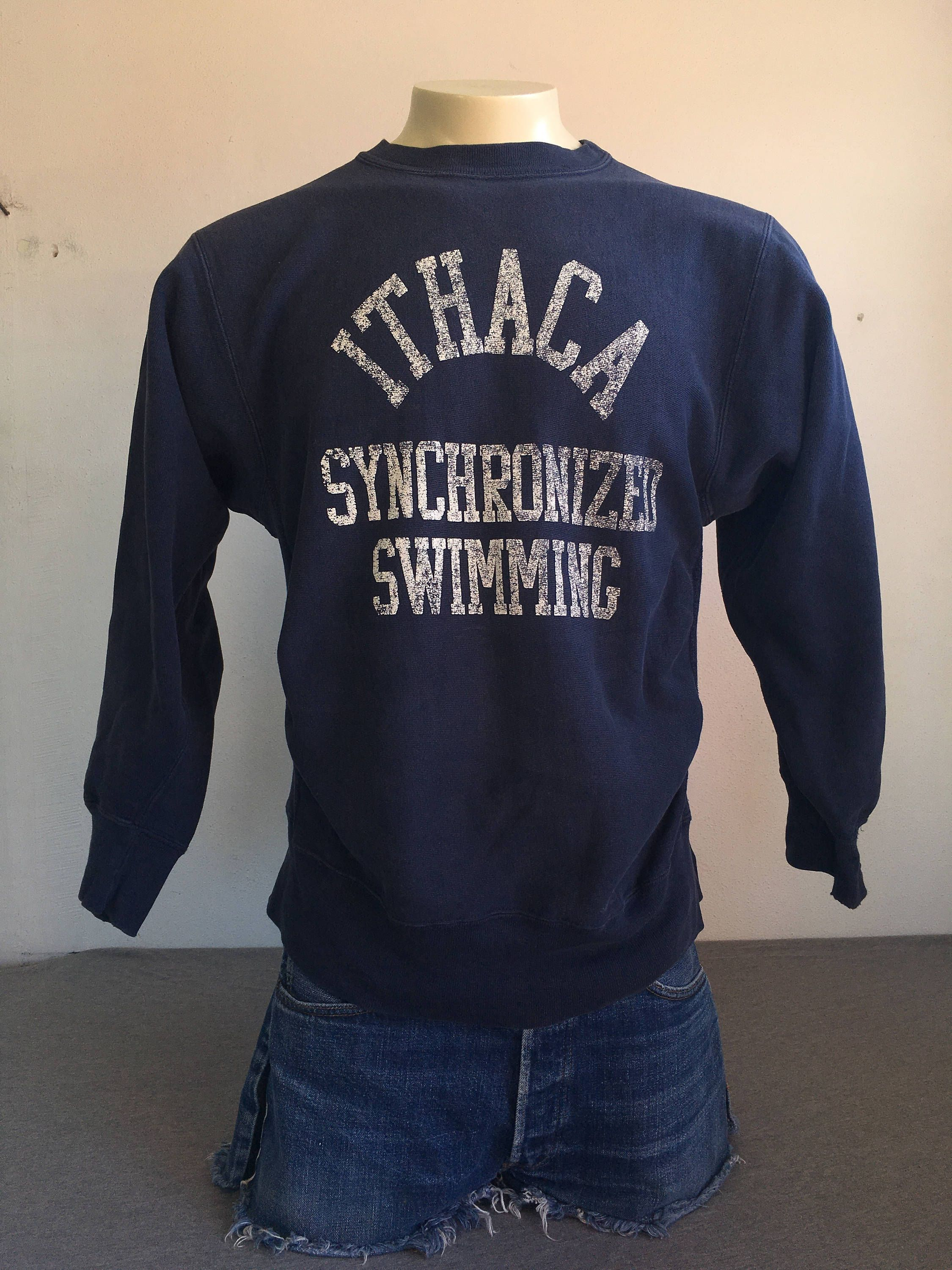 22c703ad1558 ITHACA Sweatshirt Sweater 80 s Vintage  CHAMPION Reverse Weave New York NYC  Synchronized Swimming Shirt  Gusset Stitch Blue UsA Made Large by  sweetVTGtshirt ...