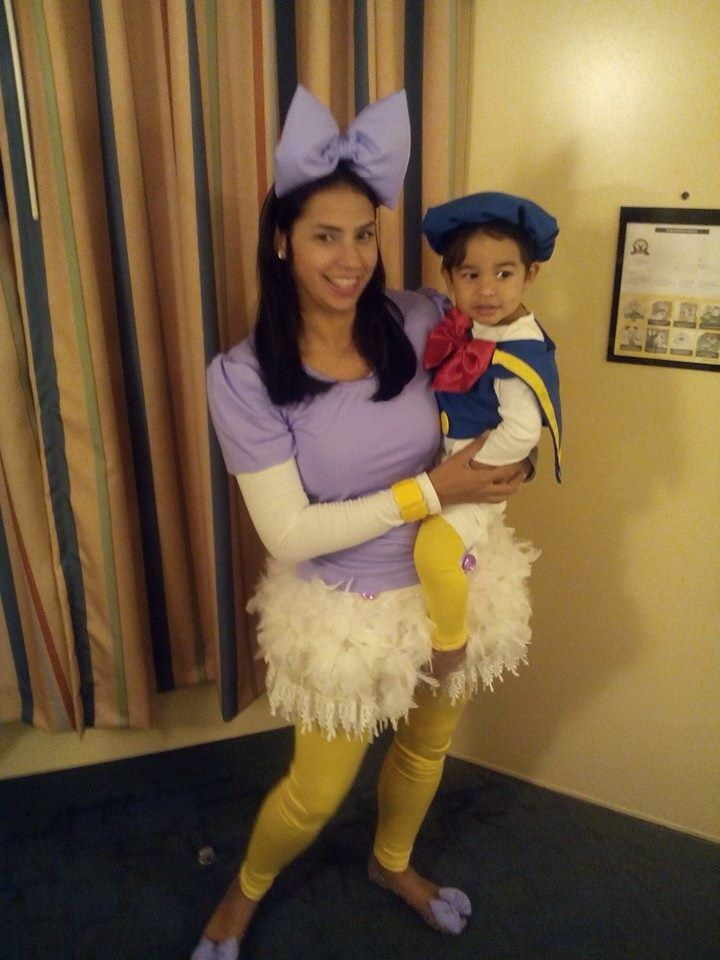 03fdb5f3d25 DIY Daisy Duck and Donald Duck Halloween costumes. Mother and son couples  costume!  )