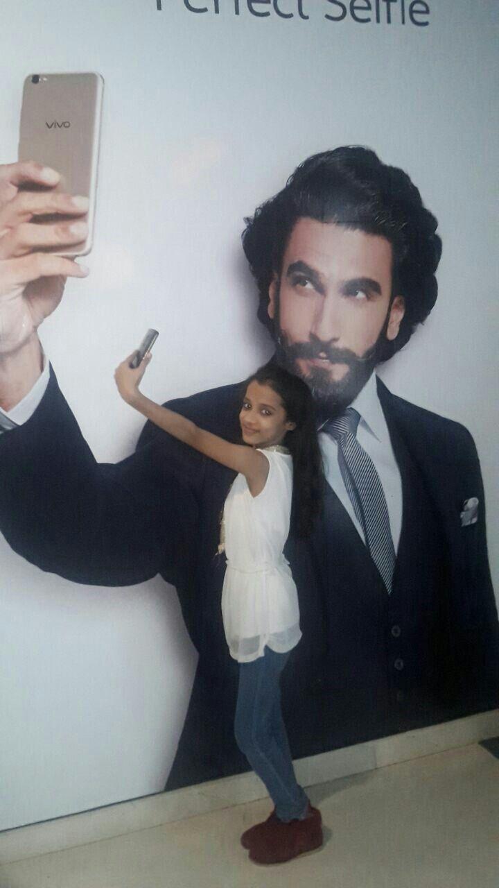 💖💖💖Follow:- 💖💖💖💖💖💖💖 | Celebrities, Mirror selfie, Selfie