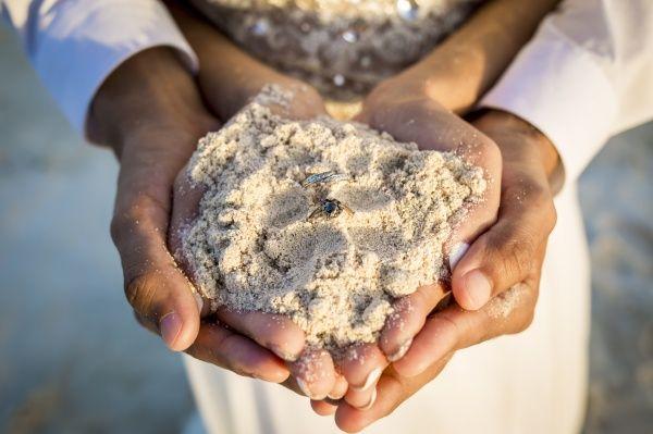 Exchange of rings // Beach Wedding