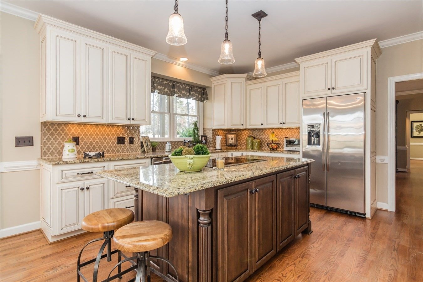 Gourmet kitchen with large center island #design # ...