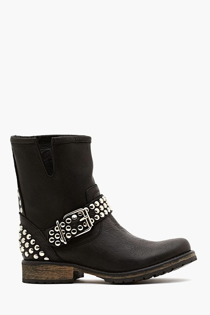 f9bad32459e12 Frankie Studded Boot in Black Coturnos