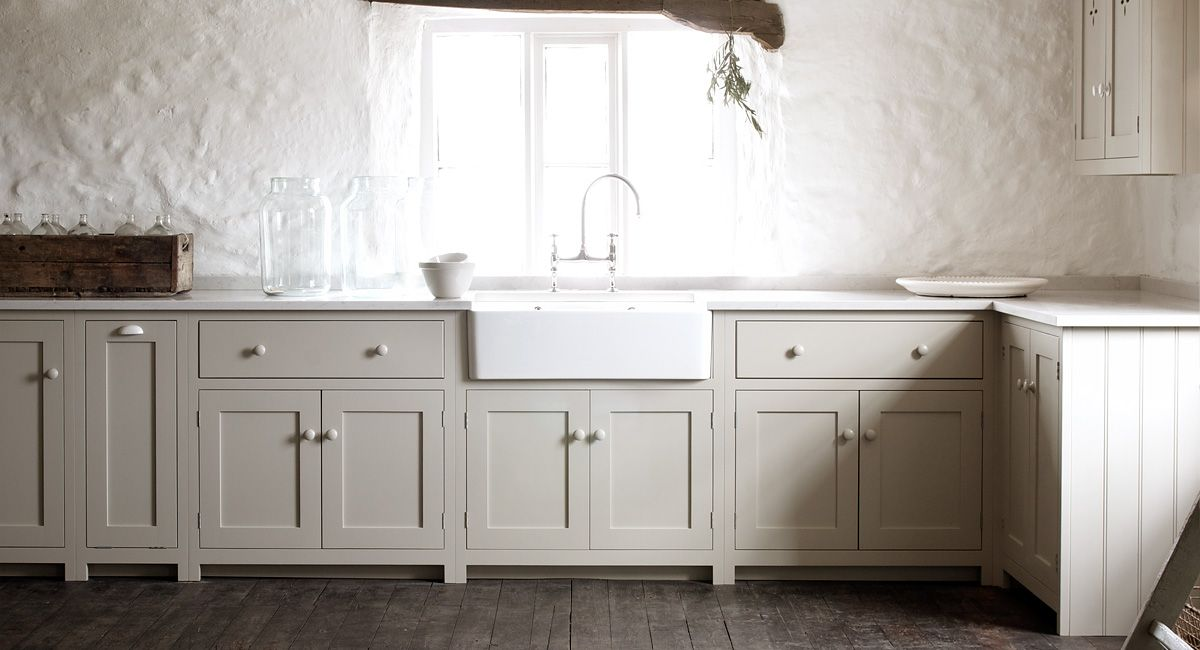 Plain english design christina wilcomes interiors and for Kitchen cabinet english style