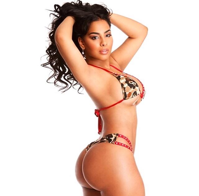 Ayisha Diaz Hot Nude Photos 63
