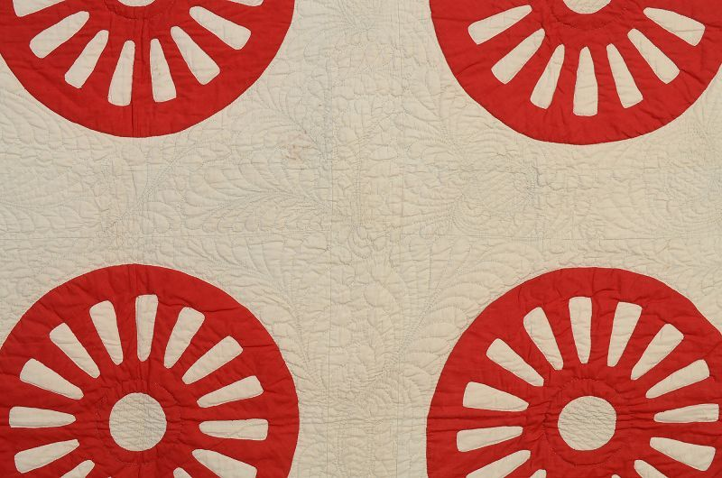 Vtg Handmade Quilt Top Broken Wagon Wheels Red Blue With Paisley On White Handmade Quilts Quilts Wagon Wheel