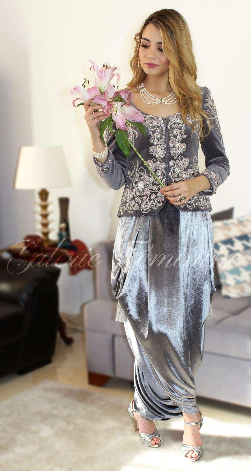 pingl par maman soumenlaibra sur caftans et tenues. Black Bedroom Furniture Sets. Home Design Ideas